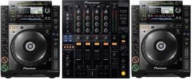 2 CDJ 2000 and DJM 850